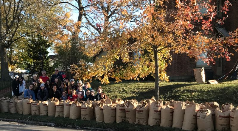 Volunteers De-Leaf Historical Center